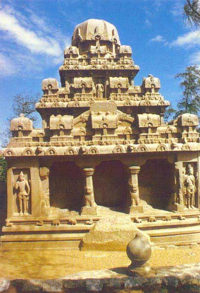 ARCHITECTURE IN THE DECCAN AND SOUTH INDIA